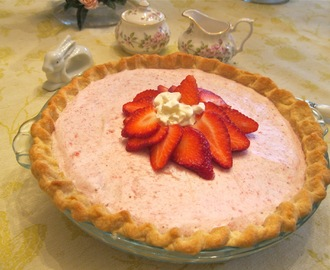 Strawberry Chiffon Pie and a Happy Easter