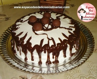 Bolo sonho de valsa com chantilly e chocolate