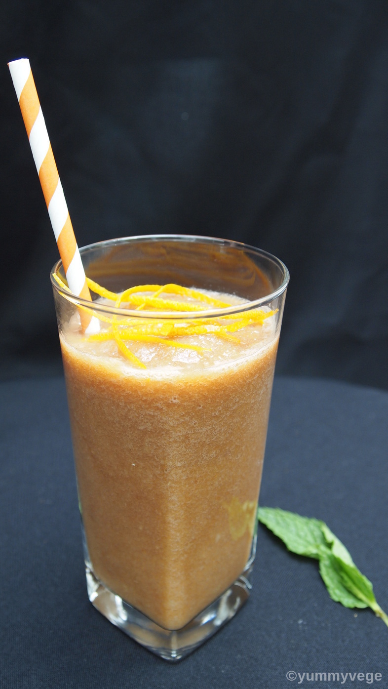 Flat Peach and Loquat Smoothie
