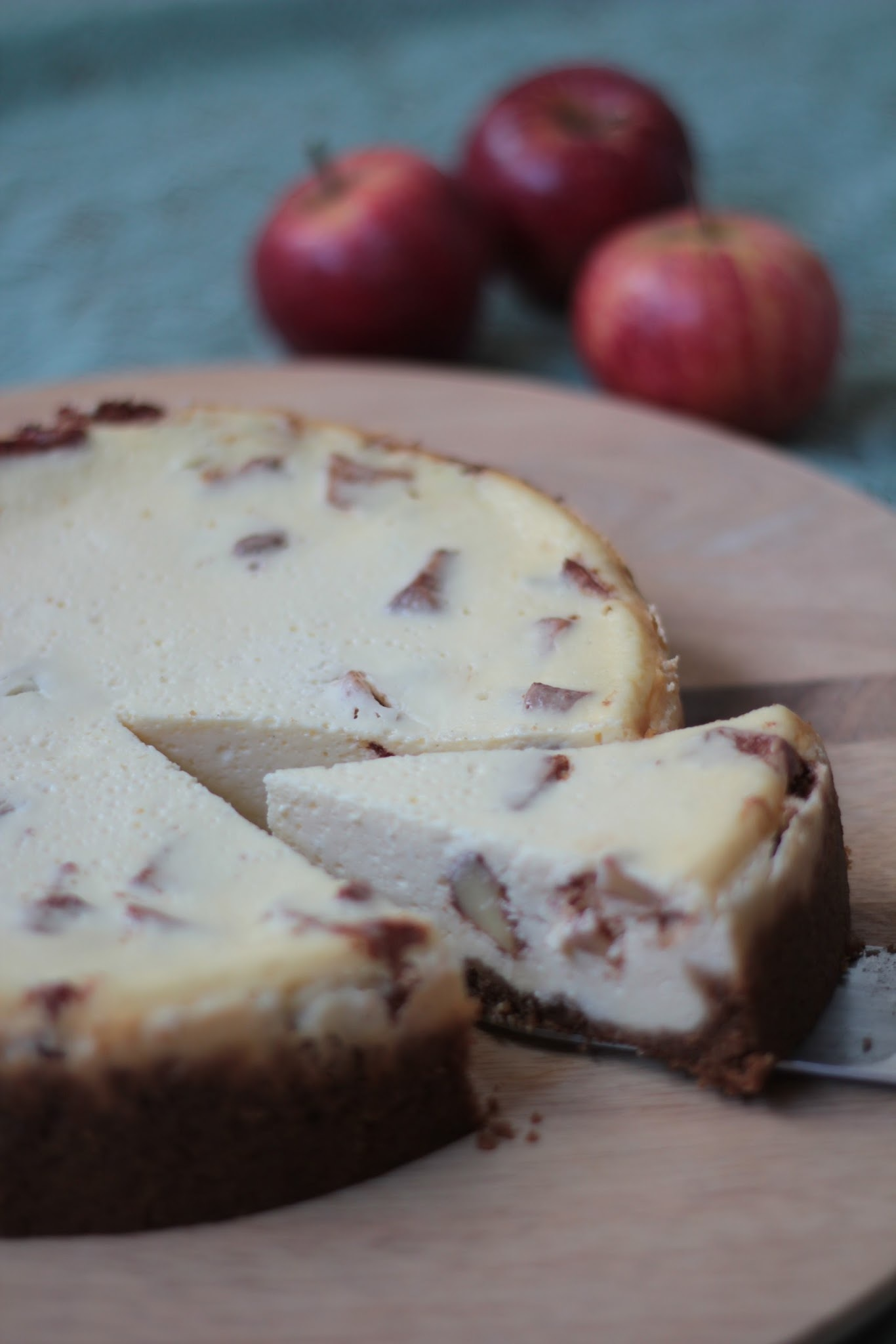 Omena Juustokakku / Apple Cheesecake