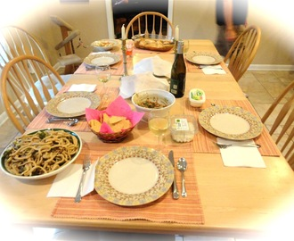 Shabbat Dinner: Whole Wheat Pasta with White Wine Vegetable Sauce and Apricot Chicken
