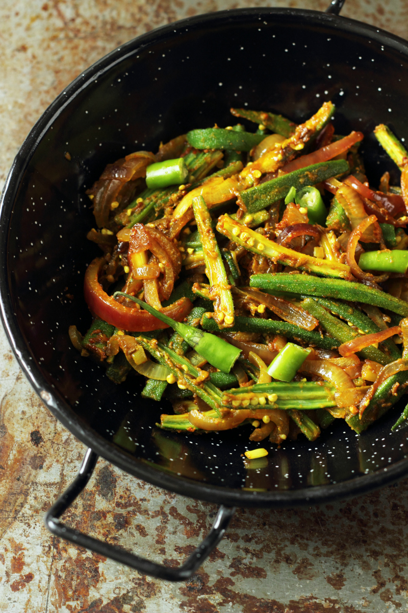 Achari Bhindi Pyaz:Okra In Pickle Spices