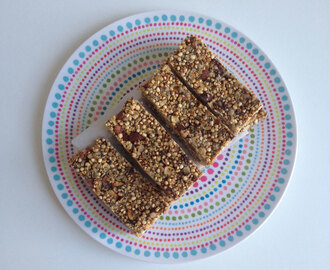 Chocolate chip quinoa bars