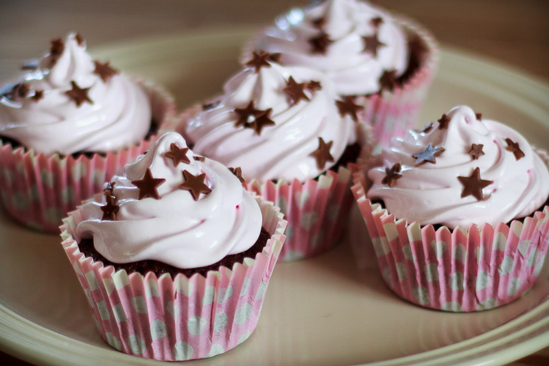Chokolade cupcakes med marshmallow frosting