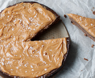 Chocolate cheesecake with salted caramel