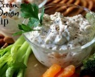 Skinny Sour Cream and Onion Dip