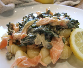 Gnocchi with spinach & smoked salmon