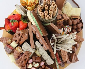How To Make An Epic Chocolate Grazing Platter in 5 Minutes