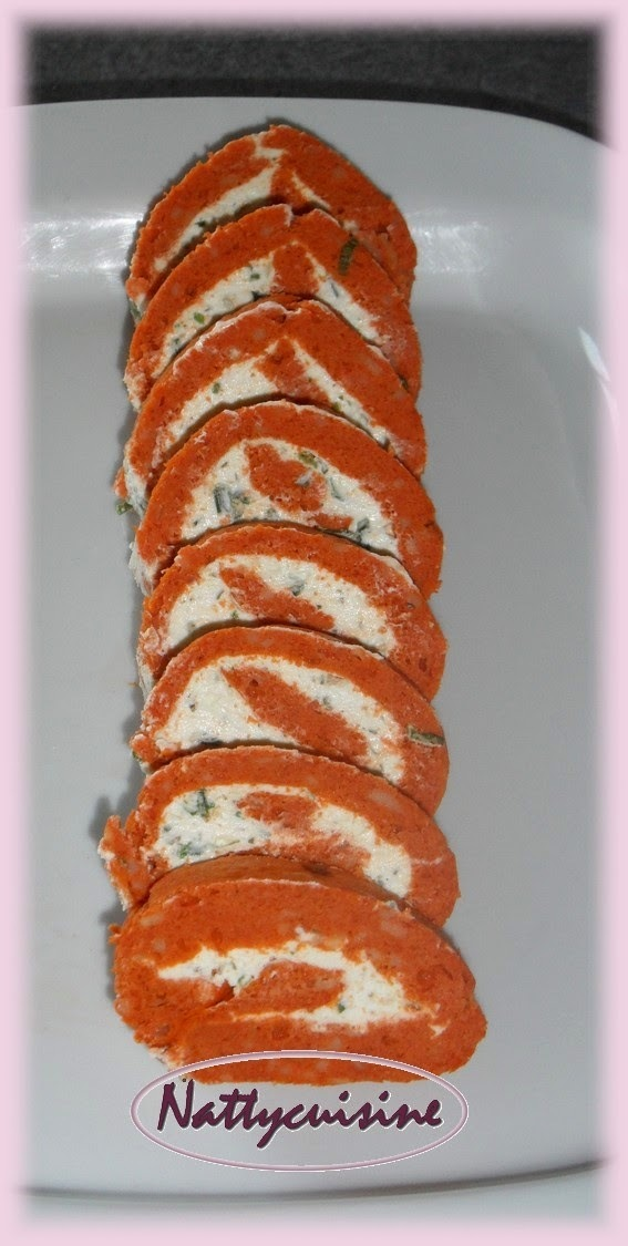 Roulé tomate, paprika et fromage ail & fines herbes