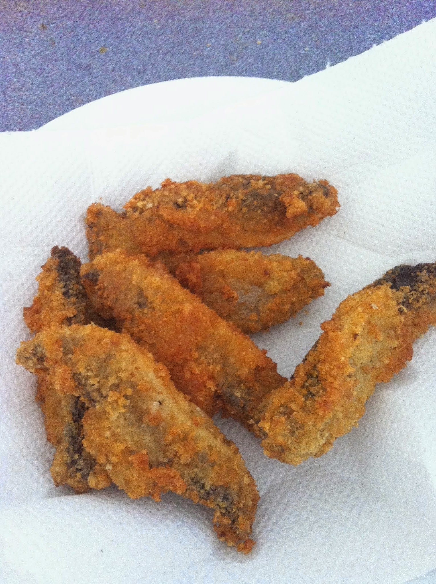 Pecorino or parmesan crusted crispy mushrooms with a creamy garlic dip, a la Jamie Oliver £1.03p per portion