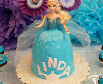 Queen Elsa Frozen birthday cake