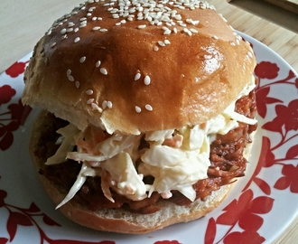 Slow cooker pulled pork with brioche rolls