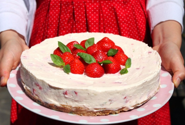 Strawberry, Lime And Basil No-Bake Cheesecake