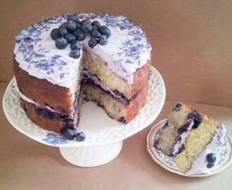 Lavender and blueberry cake