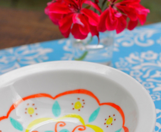 DIY Mexican Folk Art Bowls with Permanent Markers