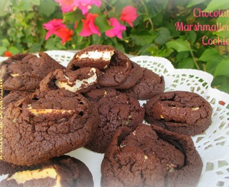 Chocolate Marshmallow Cookies // Galletas de chocolate rellenas de nubes