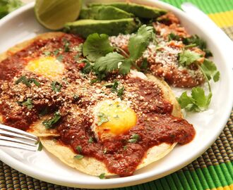 How to Make Traditional Huevos Rancheros in a Flash