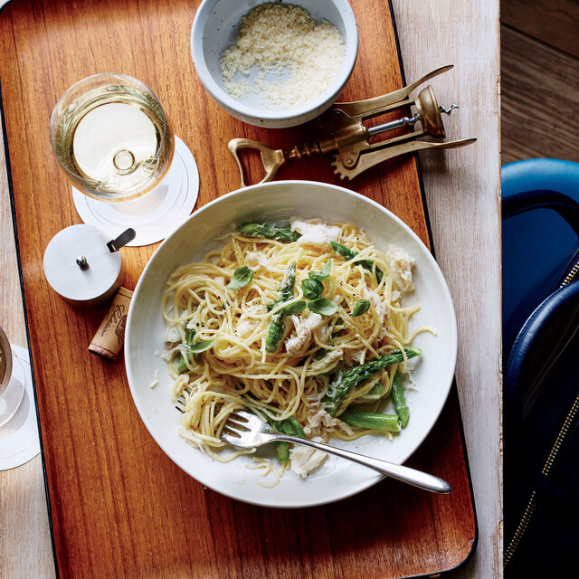 Thin Spaghetti with Crab 
