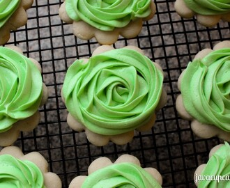 Buttercream Rose Sugar Cookies