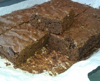 brownies al cioccolato fondente e arachidi