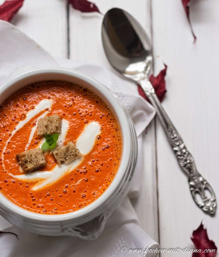 Rote Paprikacremesuppe/ Red pepper cream soup