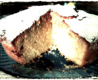 TORTA ALLO YOGURT  E CIOCCOLATO BIANCO ....AL PROFUMO DI ARANCIO......(Yogurt cake and white chocolate)