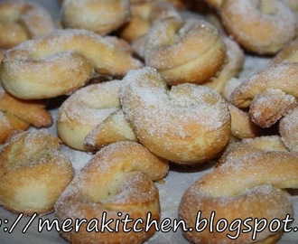 Torcettini di Saint Vincent (Sugar Crusted Twisted Cookies from the Valle d'Aosta)