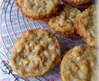 Chewy Pinapple & Coconut Cookies