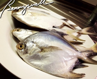 Cooking Pomfret in Sour Broth