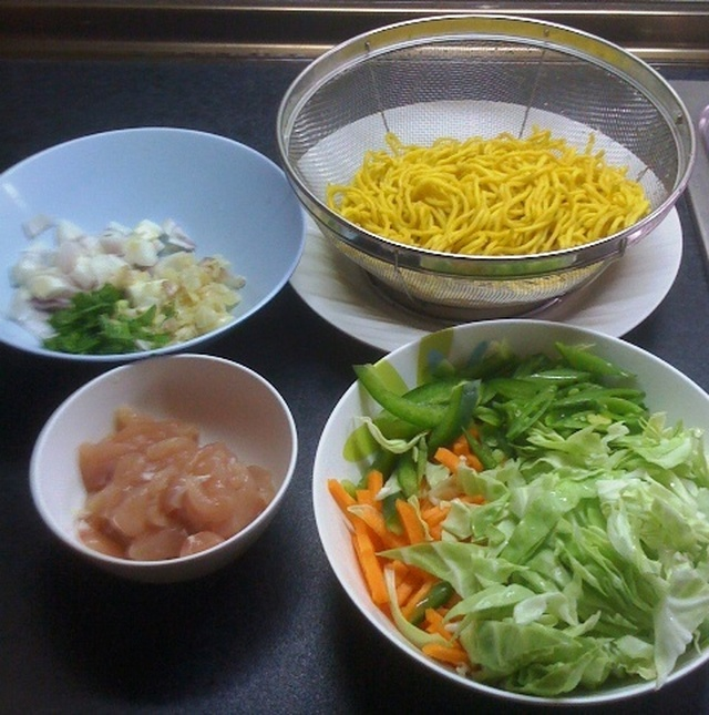 Cooking Pancit (How to Cook Pansit)