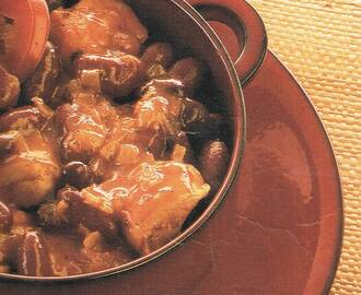 CHICKEN WITH RED BEAN CASSEROLE