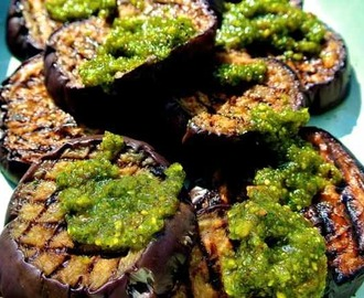 EAT YOUR VEGGIES: Aubergine met pistachetapenade