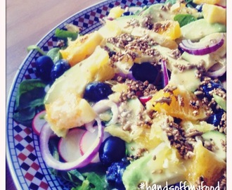 VEGAN VIBES: All-inclusive salade met Tahin-dressing!