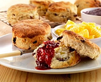 "Soda Bread: Is that a ""Scawn"" or a ""Scone"" ?"
