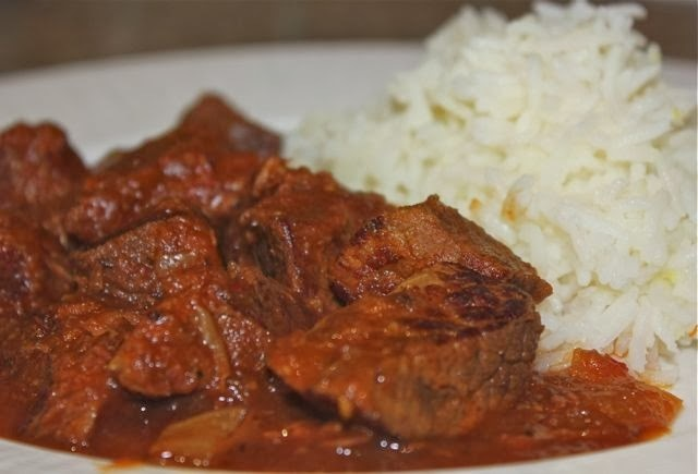 Slow cooked beef curry