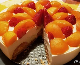 Cheesecake con Yogurt Albicocche e Fragole