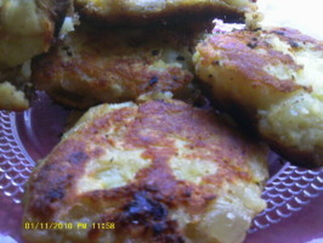 Llapingachos - Potato Cakes Filled With Cheese