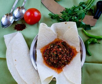 Turkish Spicy Ezme Salad