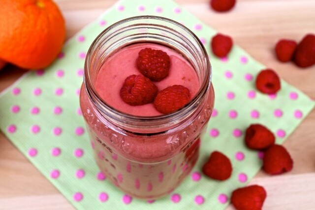 Raspberry Peach Coconut Smoothie