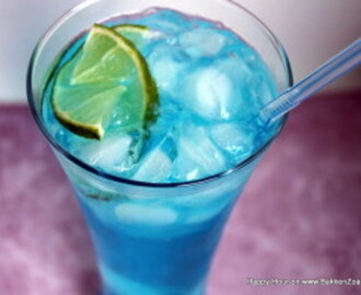 Happy Hour – Blue Lagoon cocktail