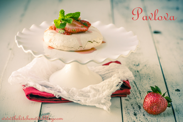Pavlova with Strawberries and Mint