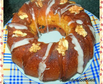 BUNDT CAKE DE NARANJA CON NUECES Y CHOCOLATE