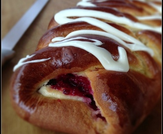 Eggnog and Cranberry Christmas Braid...and a Giveaway!