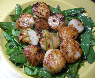 The Foodie Gals Visit And Rosie Sears Scallops For Dinner.