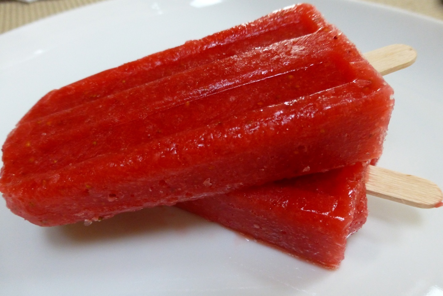 Refreshingly Raw 20-Calorie Strawberry Popsicles - Gluten, Dairy And Sugar Free!
