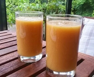 Smoothie van appel, sinaasappel en kaneel