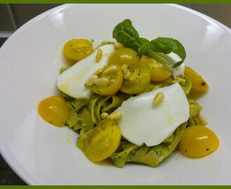 Pesto-mozzarellapasta