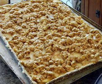 Apple Crumble Slab Pie - Eating the Alphabet!