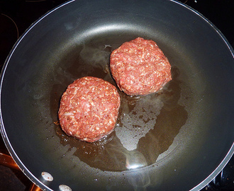 Recipe - Home Made Beef Burgers