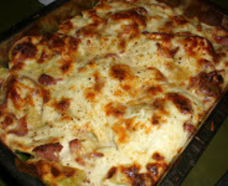 Bacon, Spinach & Parmesan Herb Tortellini bake